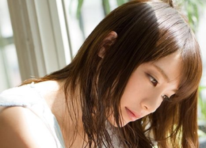 レズビアンAV女優の鈴村あいり