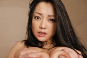 人気熟女女優の小向美奈子