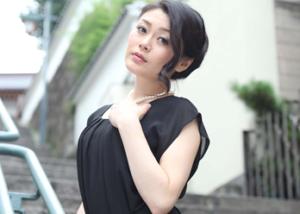 人気熟女女優の中島京子