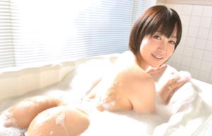 人気熟女女優の篠田ゆう
